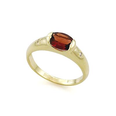 Кольцо из желтого золота с гранатом и бриллиантами 3.13 г SLR-104-350