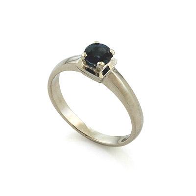 Золотое кольцо с круглым сапфиром 2.89 г SL-17801-289