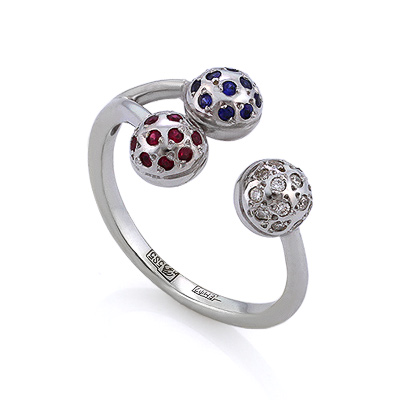 Кольцо с полудрагоценными камнями: бриллиантами, синими сапфирами и красными рубинами 4.75 г SLV-K238