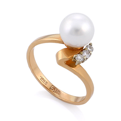 Кольцо из классического золота с белым жемчугом и 3 бриллиантами 3.48 г SLV-K304A