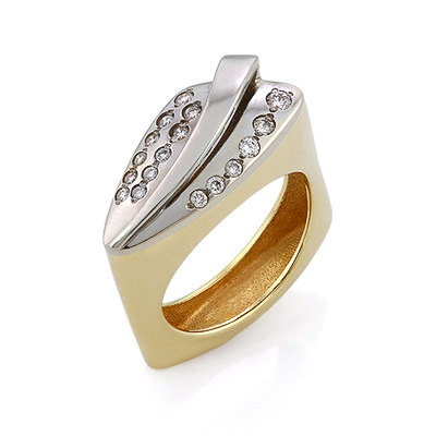Золотое кольцо с бриллиантами 7.06 г SLV-K022